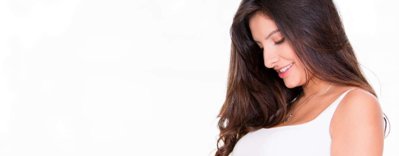 Manchas causadas pela alteração de hormônios são comuns depois do primeiro trimestre da gravidez e podem permanecer após o parto