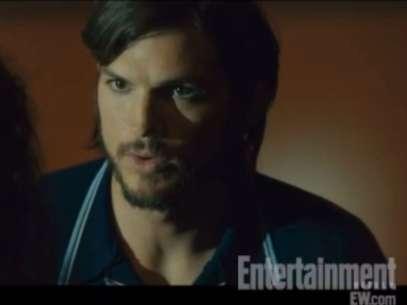 Ashton Kutcher interpreta o protagonista no filme sobre Steve Jobs Foto: Reprodução