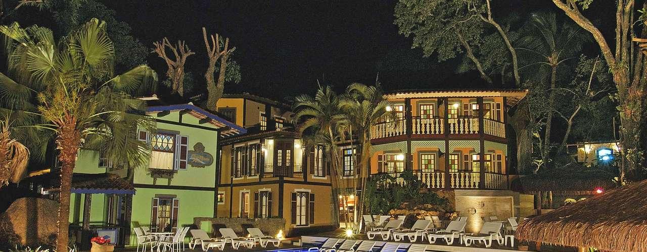 Hotel Porto Pacuiba, Praia do Viana, Ilhabela, São Paulo: o pacote que vai do dia 6 a 10 de junho custa a partir de R$ 1.200 os 4 dias para o casal e inclui café da manhã e estacionamento fechado. O hotel oferece piscina aquecida, praia artificial e área para crianças. Informações: (12) 3896-2466