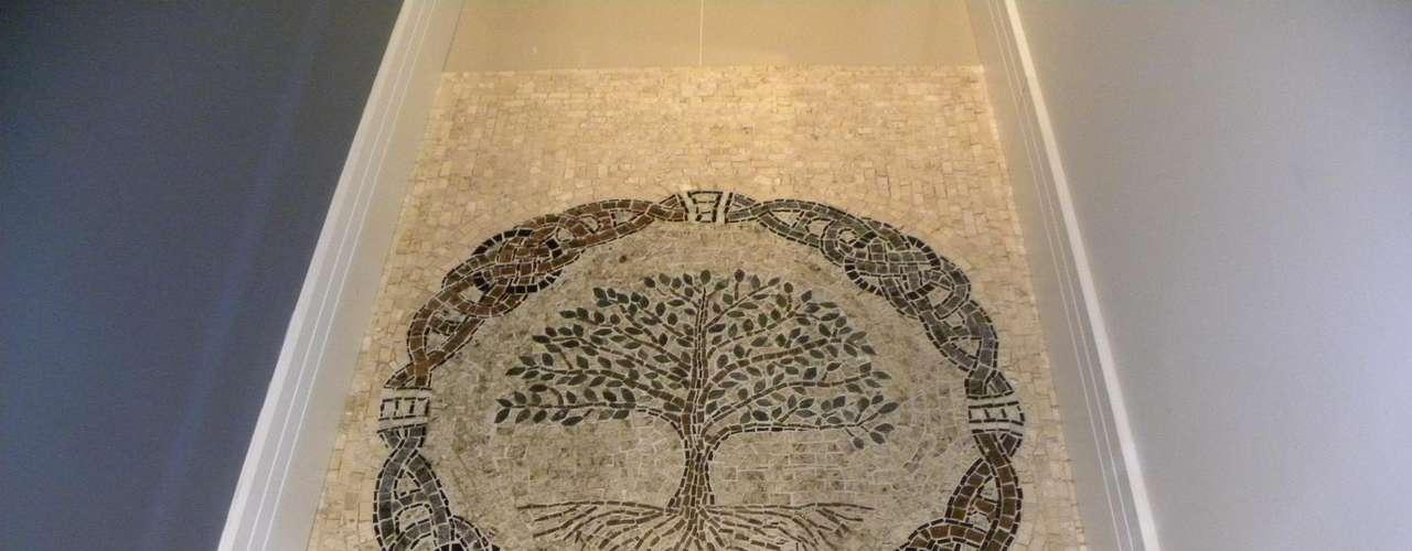 O mosaico, que é uma arte milenar, tem tradição recente no Brasil e vive boom, de acordo com Marinella Spadon