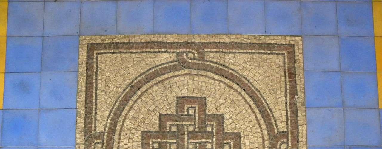 Marinella Spadon afirma que os mosaicos têm alma e carregam a personalidade de que os faz