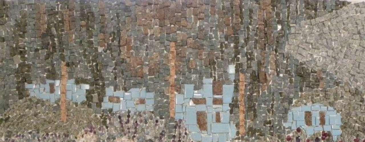 Leonardo Posenato faz obras em cima de desenhos de artistas como o pintor francês Claude Monet