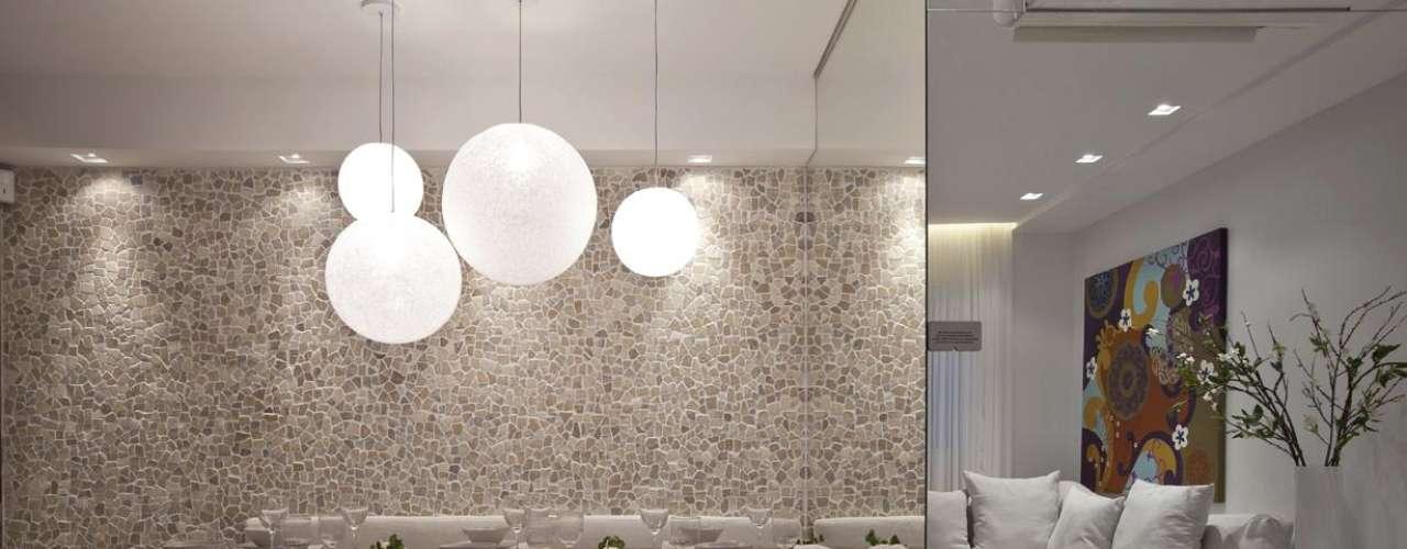 Os objetos usados para decorar apartamentos em exposição são depois leiloados ou usados em outros projetos