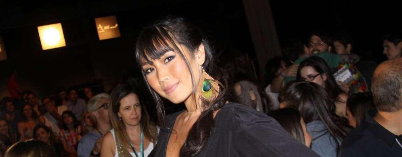 A atriz e apresentadora Daniele Suzuki também aderiu à moda e colocou silicone para dar um up no visual antes mesmo de ter o filho