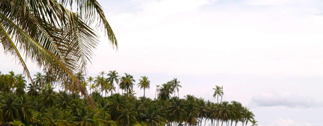 3. Kuna Yala, Panama - O arquipélago de Kuna Yala, no caribe panamenho, é um dos poucos lugares do mundo onde ainda é possível curtir belas praias e ilhas em um paraíso totalmente preservado. Alojamentos rústicos, em pequenos bangalôs sobre a areia, são o que existe de mais desenvolvido em Kuna Yala, conhecido também como arquipélago de San Blas