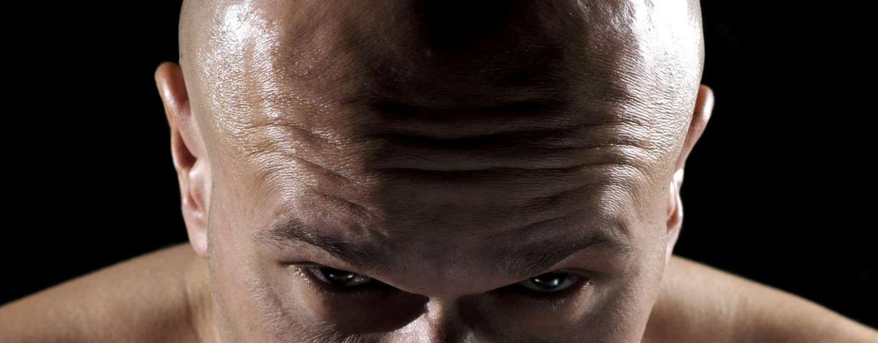 Por ter origem em artes marciais o MMA também carrega filosofias orientais. Por isso, segundo o ortopedista Fabio Costa, esse esporte também pode ajudar a trabalhar o equilíbrio, o autocontrole, capacidade de autodefesa, disciplina e a capacidade de canalizar a agressividade