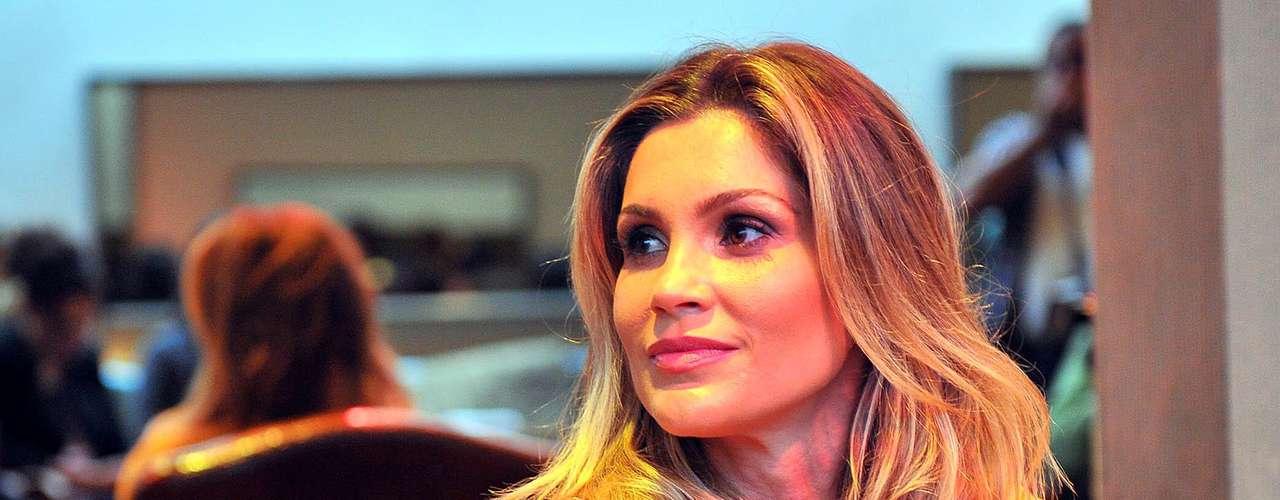 A atriz conta que se identifica não apenas com o público da marca, mas com seu modelo de negócio, por isso topou a parceria