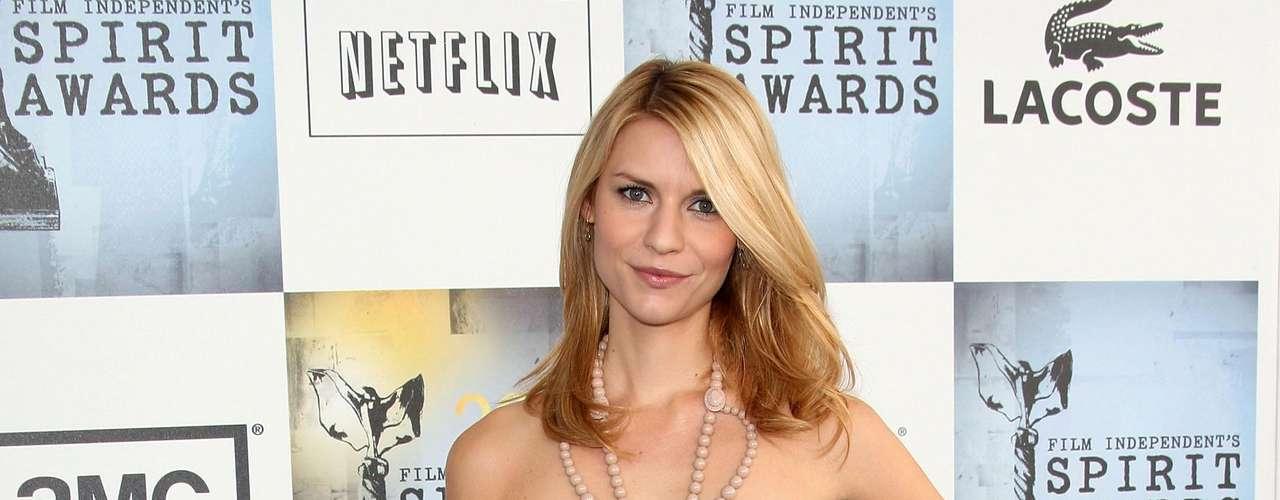 Mule: segundo Priscila, o mule é uma espécie de tamanquinho, fechado na frente e aberto atrás, conforme o modelo usado pela atriz Claire Danes. \