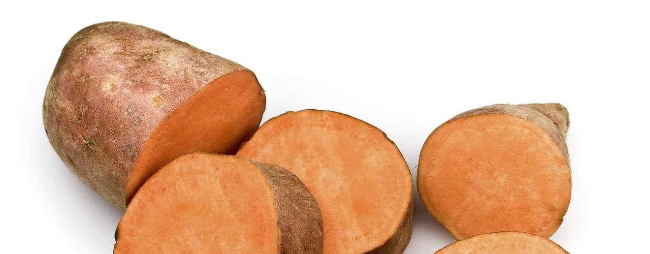 Batata doce - Segundo cientistas, esse tipo batata contem uma espécie especial de amido que resiste a enzimas digestivas, fazendo com que ela fique no estômago por mais tempo mantendo seu corpo saciado. A batata doce também é rica em vitamina A e C