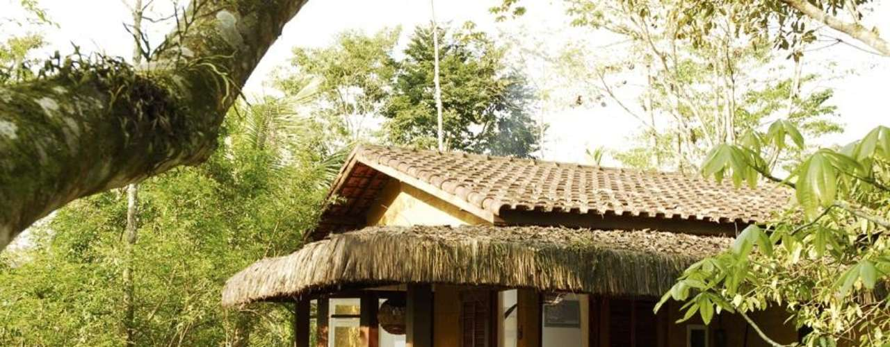 Paraty, Brasil: a 250 km do Rio de Janeiro, Paraty combina a beleza de sua arquitetura histórica natural com praias e natureza. A pousada Bromélia é uma boa opção para a família com grande área verde cachoeira, quadra de tênis e piscina, além de um  spa para os adultos