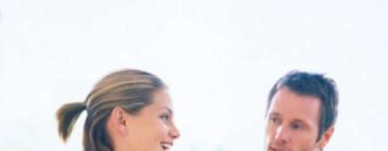 'Gaydar' mais potente: segundo um estudo feito pelas Universidade de Tufts e Universidade de Toronto, quando a mulher está no auge do seu período fértil, ela tende a identificar os homens gays apenas pela observação. Tanto é que a pesquisa foi feita apenas com fotografias de homens heterossexuais e homossexuais.  E a maioria delas foi certeira ao apontar a sexualidade deles
