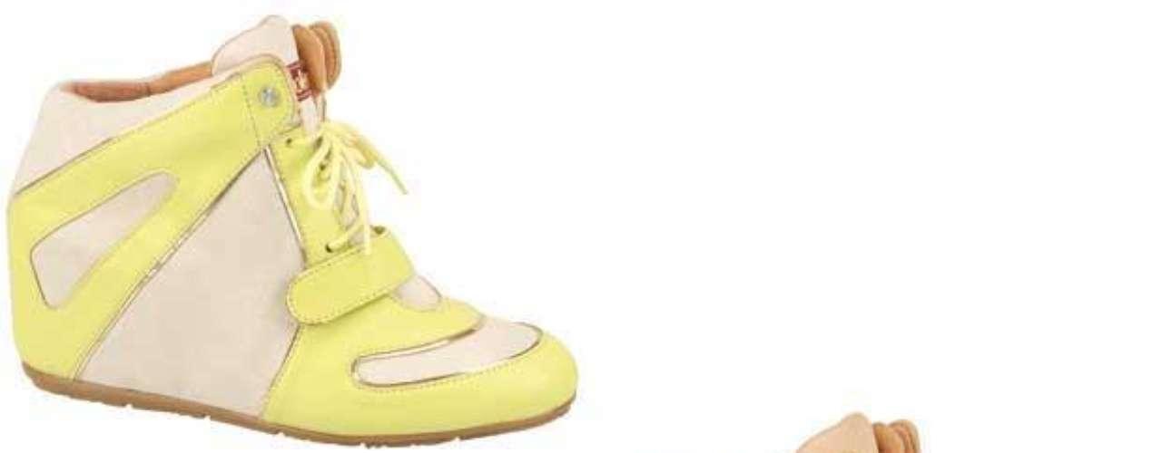 O modelo em bege e rosa é da Moleca, também é encontrado nas cores nude com amarelo bebê. Preço sugerido: R$ 139,90. Informações: (51) 3584 2200