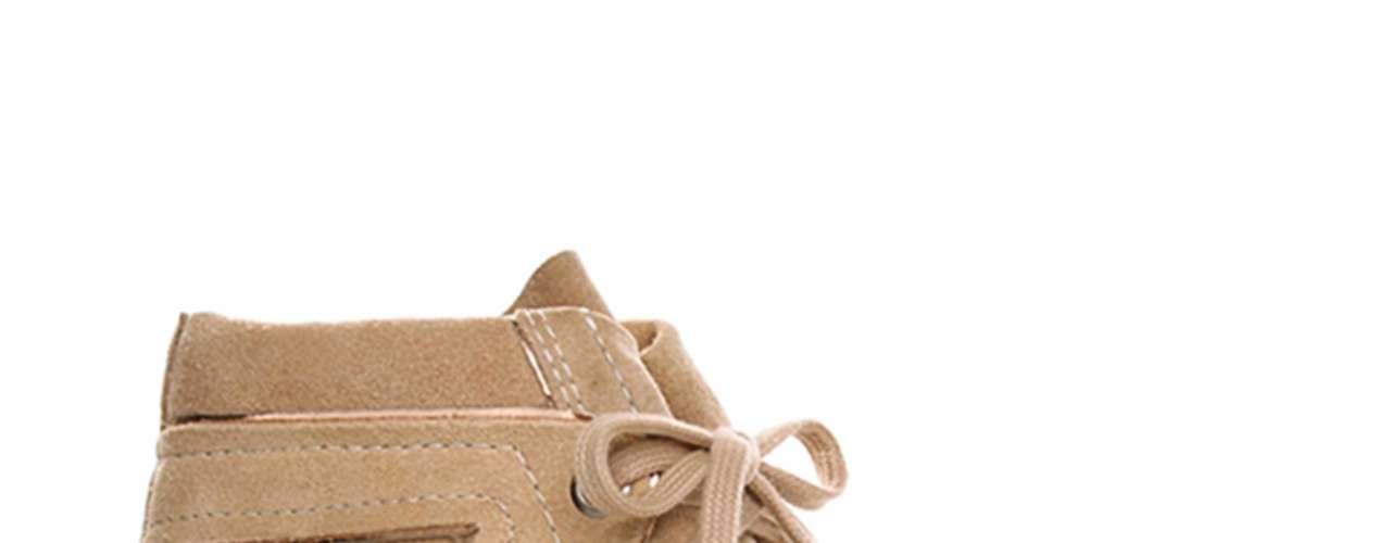 O sneaker em camurça com fechamento em cadarço faz parte da coleção de inverno/2012 da grife Jorge Alex. Preço sugerido: R$ 249,90. Informações: SAC (11) 3321-7700