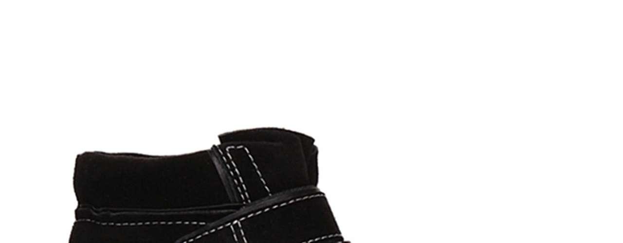 O modelo preto, com costura branca e fechamento em velcro é da grife Jorge Alex. Preço sugerido: R$ 249,90. Informações: SAC (11) 3321-7700
