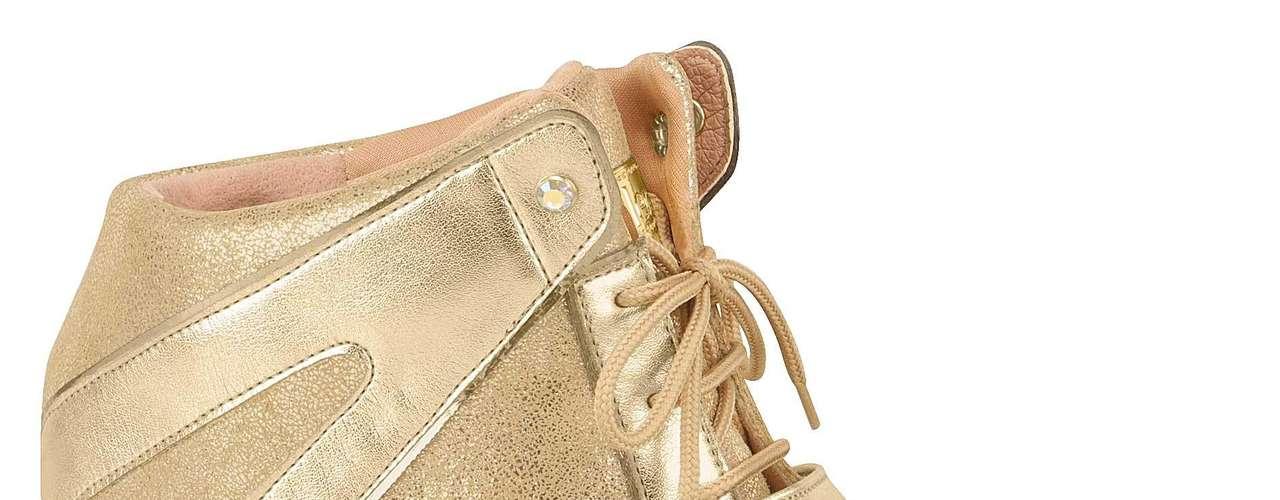 O modelo dourado é da marca Moleca. Preço sugerido: R$ 139,90. (51) 3584-2200