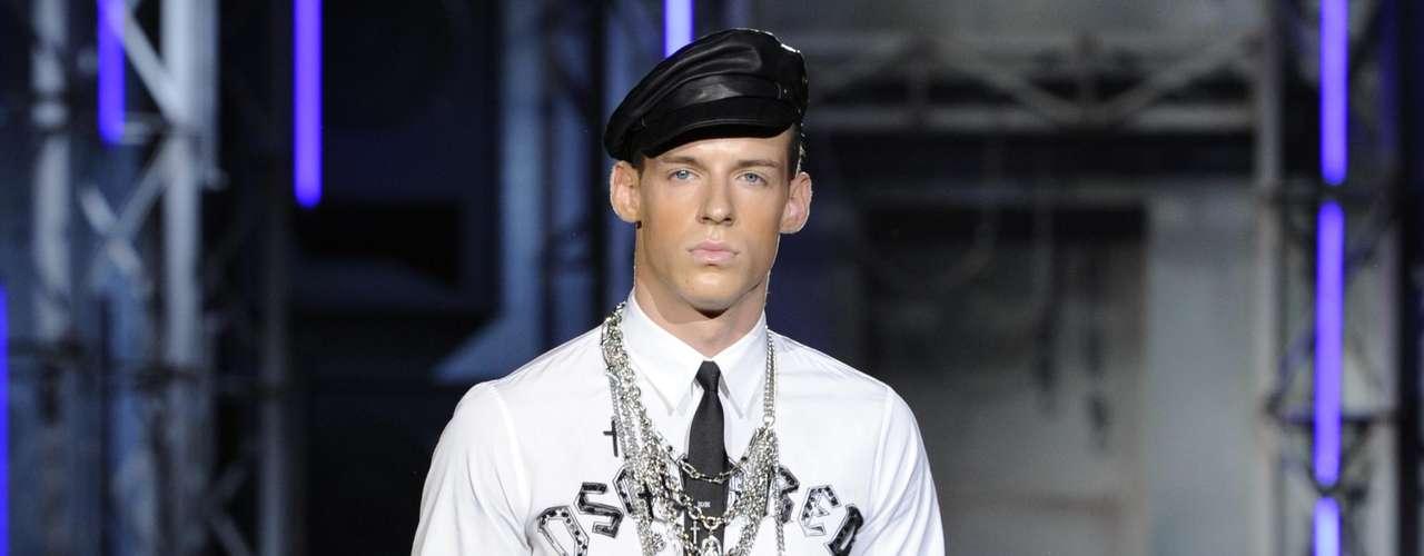A semana de moda masculina de Milão termina nesta terça-feira (26), com menos desfiles do que os dias anteriores. Apenas cinco marcas se apresentaram nesta manhã e a Dsquared2 foi a responsável por iniciar