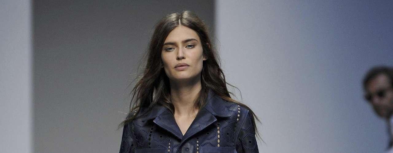 Apesar dos desfiles da Semana de Moda de Milão serem voltados para modelos masculinos, a Diesel Black Gold levou mulheres à passarela