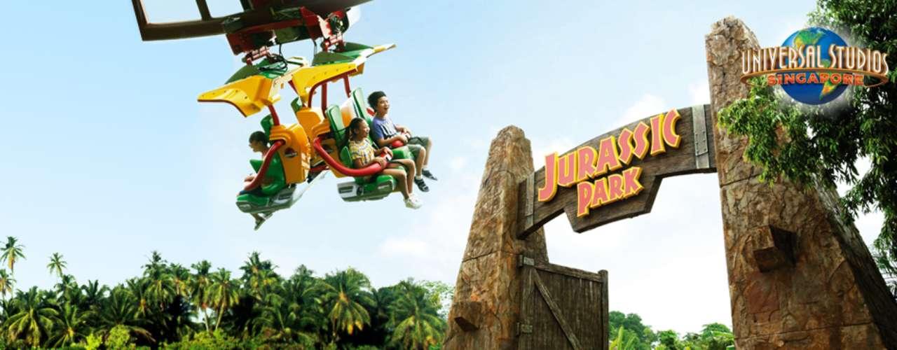 Universal Studios, Singapura: o parque temático está dividido em Hollywood, Nova York, Ficção Científica, Egito Antigo, Mundo Perdido, Madagascar e Far Far Away, em uma menção ao reino da animação Shrek. No parque, você poderá encontrar áreas criadas exclusivamente para os fãs de grandes sucessos da Universal, como Transformers, Madagascar e Jurassic Park