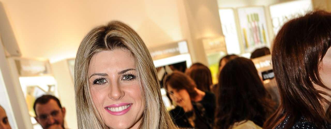 O evento reuniu famosas, como Iris Stefanelli