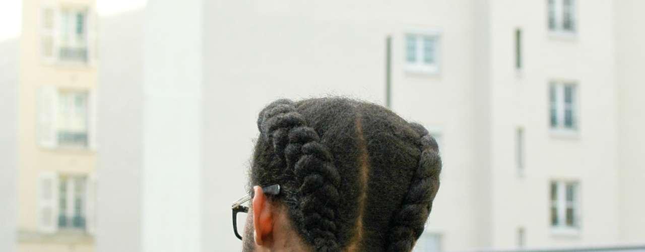Mais criativo, um penteado com duas tranças