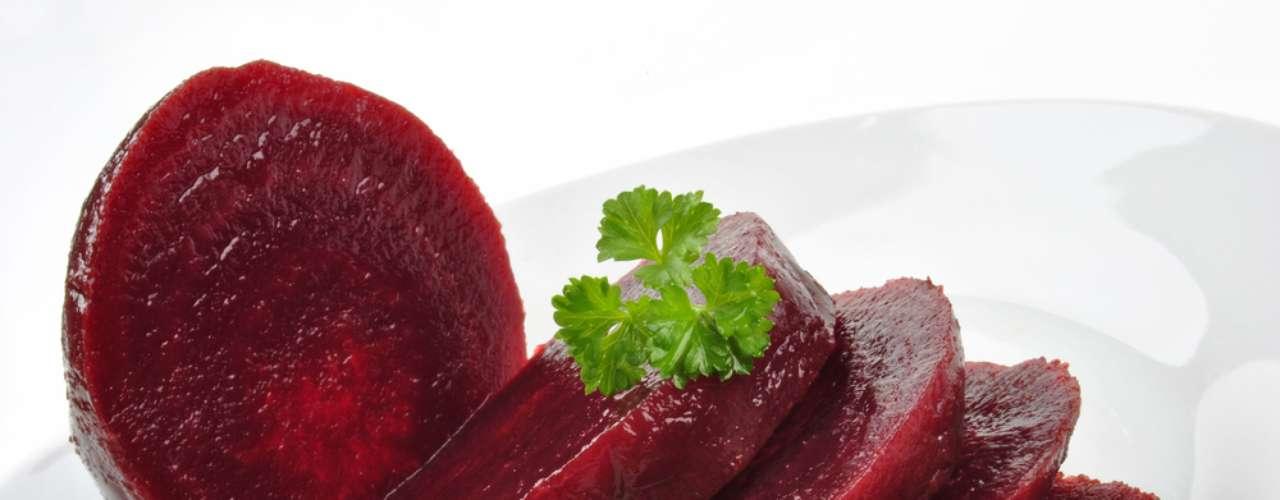 Betacaroteno da beterraba e das frutas alaranjadas ajuda a emagrecer com saúde e manter a pele saudável