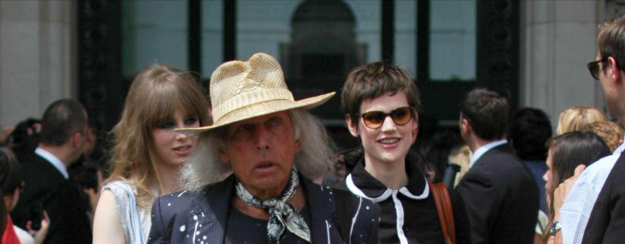 O milionário James Goldstein, presença constante em desfiles de moda, se mantém fiel a seu estilo cowboy