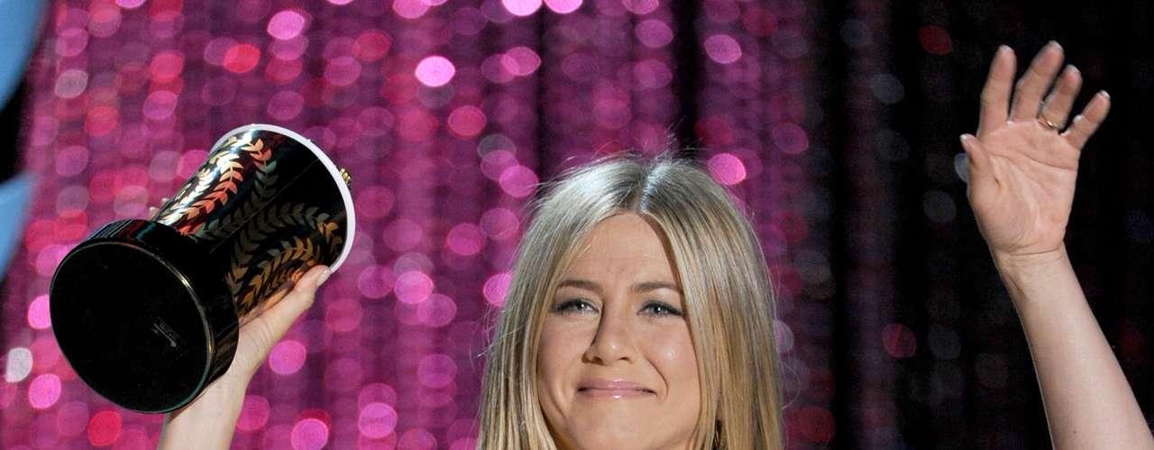 Jennifer Aniston utiliza o laser como peeling facial para estimular a renovação celular