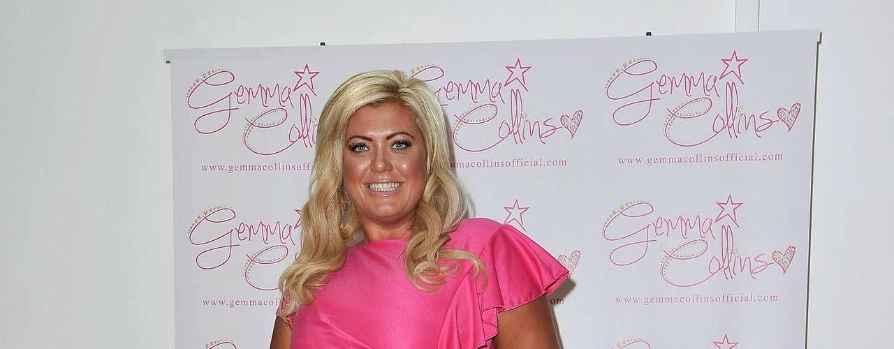 Para o evento, Gemma usou um vestido pink, que marcava a cintura