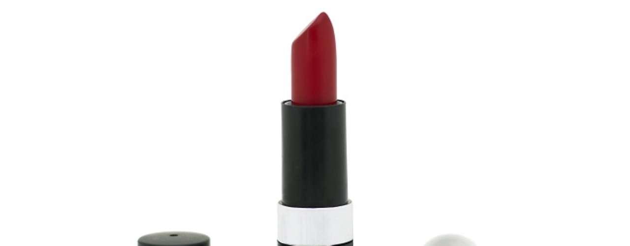 O batom vermelho que a Miriam (Letícia Persiles) usa em Amor Eterno Amor é da marca Lune, cor nº 3. Preço: R$14,90. Informações: (0xx21) 7877-0016