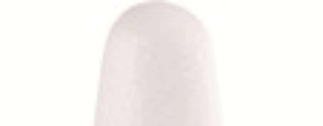 Além, do esmalte da Risqué, as unhas de Débora também recebem o Café Creme (Preço: 2,90; Informações: 0800-5412595), da Impala