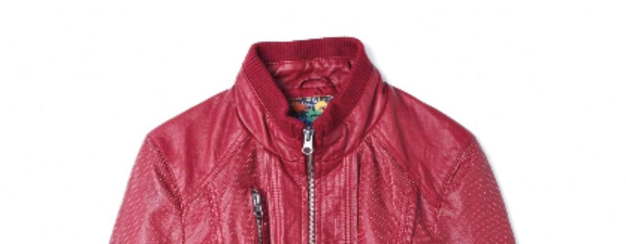 Jaqueta de couro vermelha Marisa, R$149,99. Serviço: Capitais - 40042211, demais localidades - 08007281122