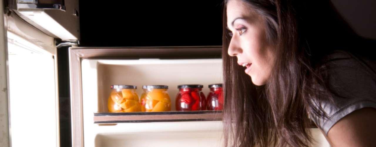 Com a ajuda de uma nutricionista, o site The Sun listou alguns alimentos saudáveis que podem estar fazendo você engordar