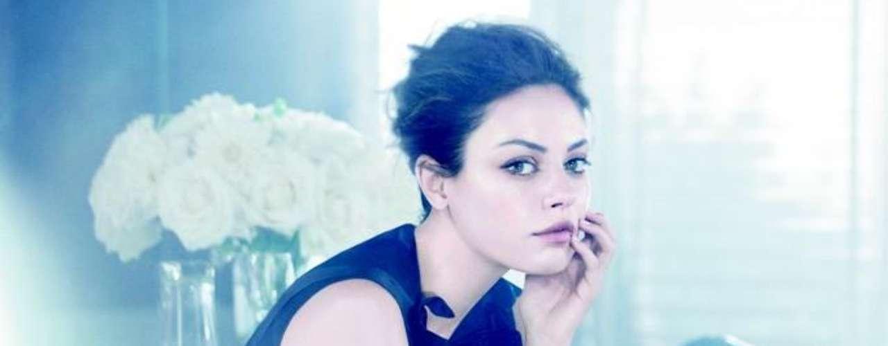 A atriz na primeira campanha das bolsas Miss