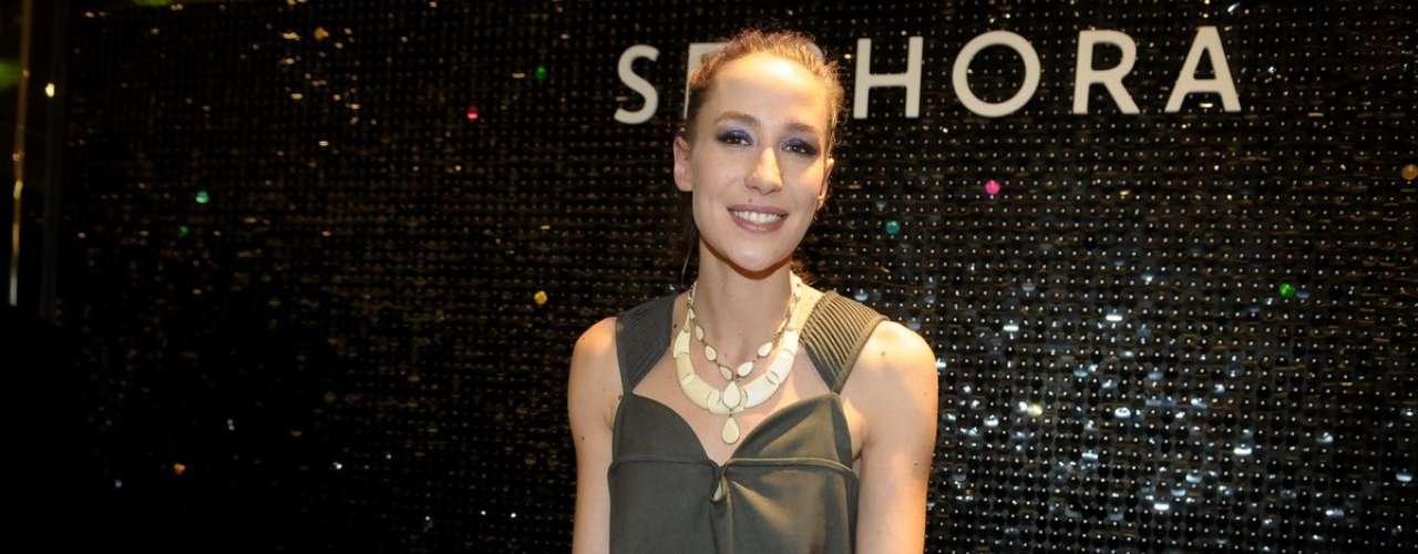 Paola de Orleans e Bragança discotecou no coquetel de inaguração da Sephora no shopping JK, em São Paulo, na quinta-feira (12)