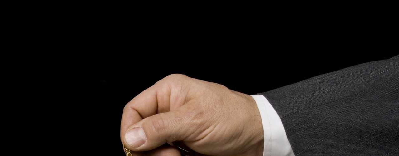 Hipnose: a jornalista se submeteu a uma sessão de hipnoterapia e a especialista quis focar em todas as questões que poderiam causar estresse, como frustrações na carreira, crise de confiança, problemas com relacionamentos pessoais e relatou que o estômago fez os mesmos barulhos registrados durante a sessão de acupuntura. O diagnóstico provável: estresse