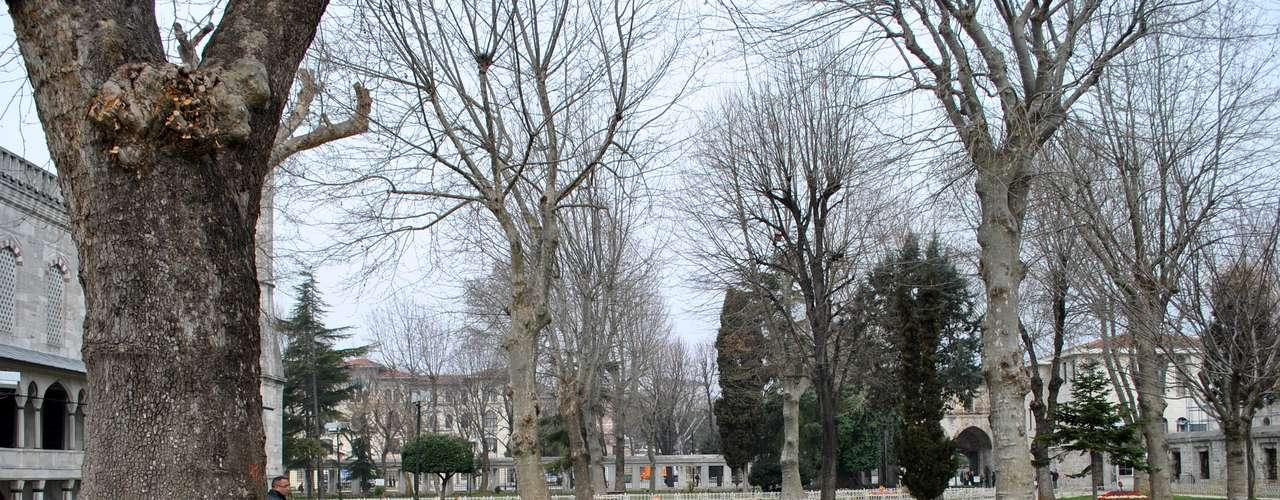 Jardim nos arredores da Mesquita Azul