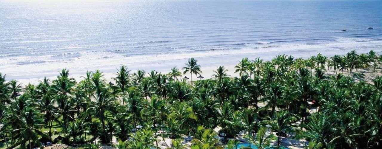 Ilha de Comandatuba, BA: ao sul do litoral da Bahia, a Ilha de Comandatuba tem 21 km de praias preservadas com vilarejos de pescadores e um importante resort turístico de luxo. O hotel Transamérica Ilha de Comandatuba é um dos mais sofisticados do país e conta até com sua própria pista de aterrissagem