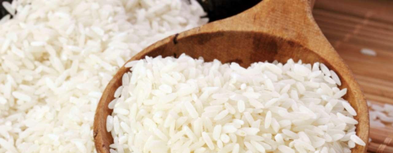 Agulhinha: este é o arroz mais consumido no Brasil. É obtido a partir da retirada da casca do grão integral. Apesar de assimilar bem o sabor dos ingredientes adicionados ao prato, o arroz não assume consistência cremosa. No dia-a-dia, é usado em função da rapidez no cozimento, textura solta e paladar agradável