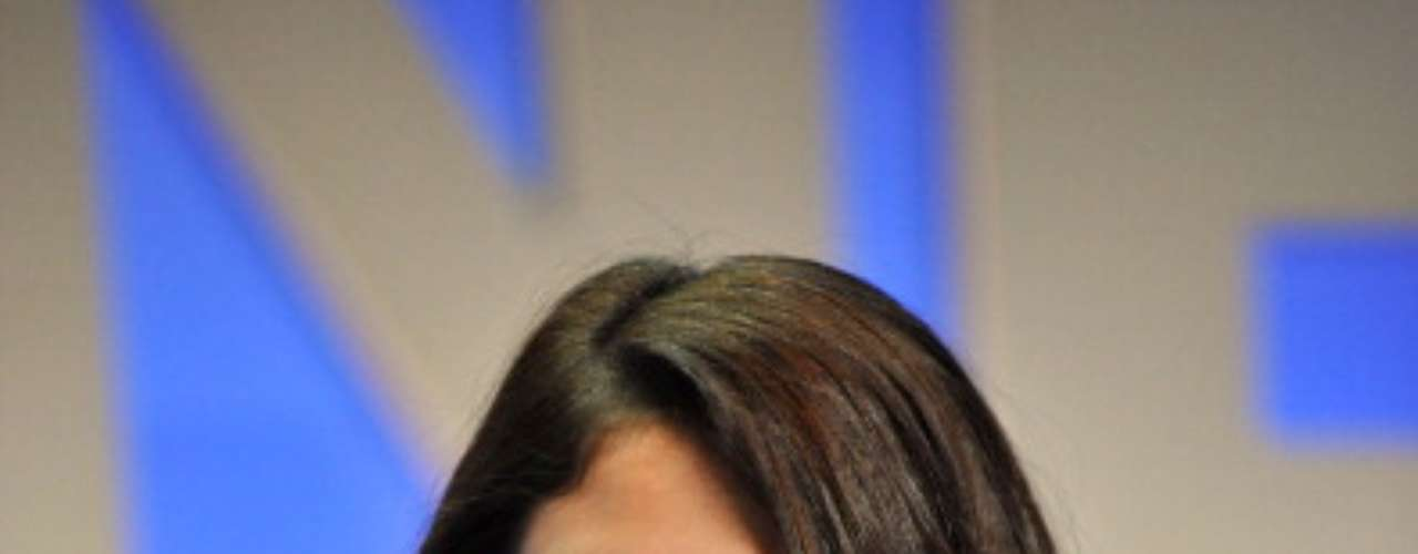 Para evitar rachaduras nos lábios, Selena usa hidratante labial o tempo todo