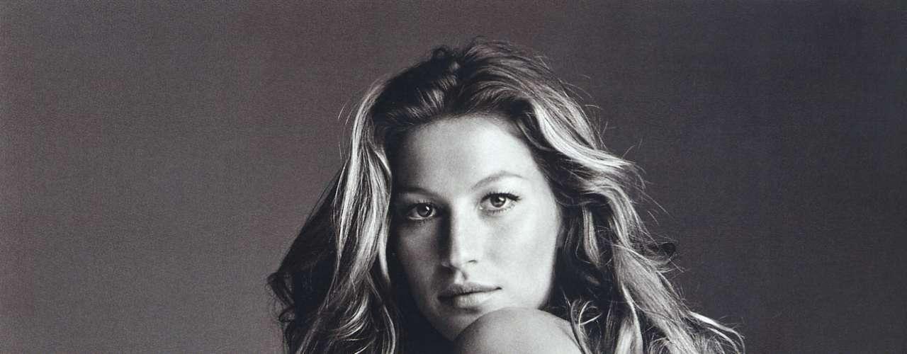 Em 2006, Gisele Bündchen foi fotografada nua e de All Star pelas lentes de Patrick Demarchelier, em Nova York