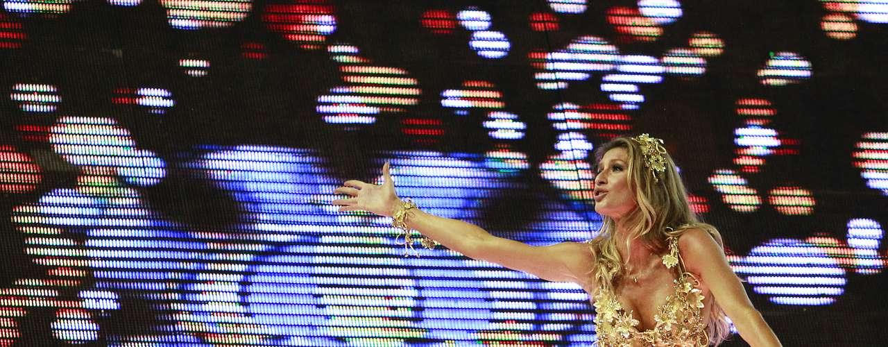 Em  2011, a top Gisele Bündchen desfilou pela primeira vez no Carnaval brasileiro. Ela foi um dos destaques da Vila Isabel