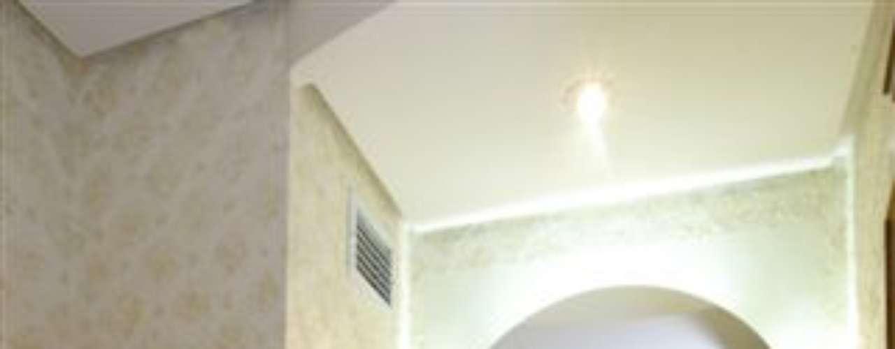 Nesse projeto, a arquiteta Tânia Bertolucci opta pelo uso de uma cuba de vidro