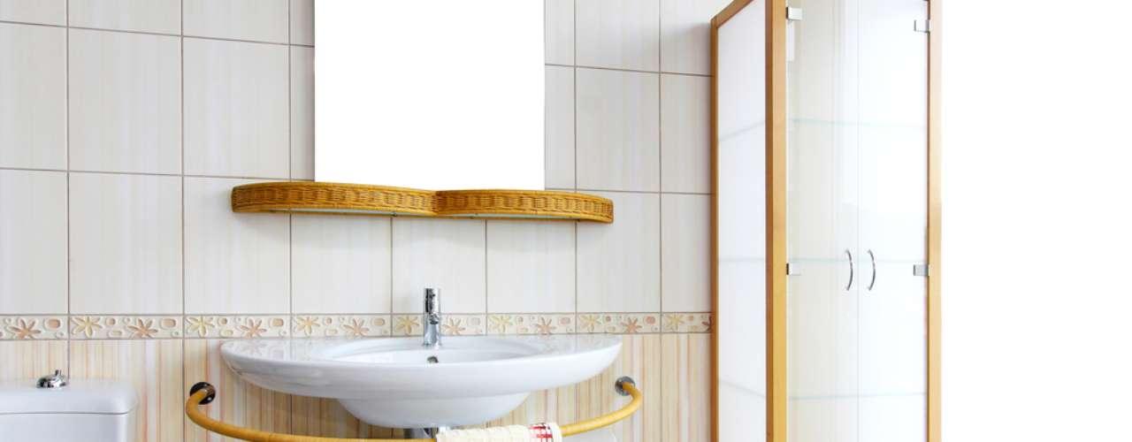 Lavabos também podem investir em uma decoração diferenciada para a pia
