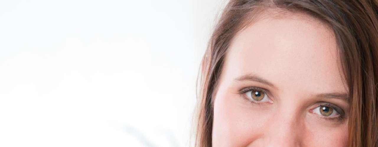 Diversas pesquisas são feitas a fim de se investigar os benefícios de alguns alimentos. Muitos deles apresentam nutrientes que colaboram para eliminar a gordura da barriga. Confira alguns apontados como fundamentais pelo site Weight Loss: aveia ajuda a manter a sensação de saciedade e ajuda a resistir ao consumo de doces; mirtilos; amêndoas com quantidades de gordura saudável que ajuda a perder medidas na barriga; vegetais com alto teor de fibras