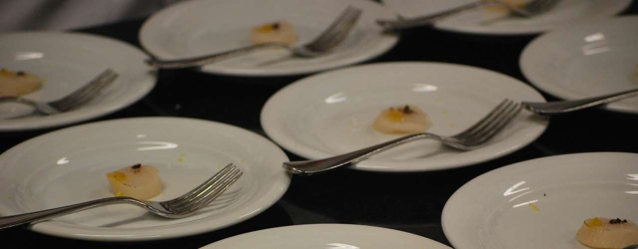 Depois de pronto, o prato foi servido para os participantes do workshop
