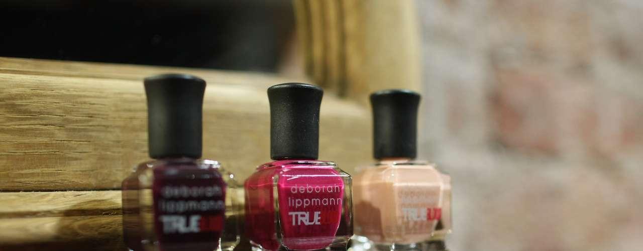 A coleção traz uma série de produtos como esmalte, perfumes e maquiagem