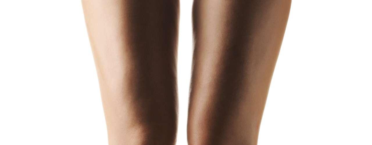 Usar salto pode ajudá-la a chegar lá - Segundo um estudo da Universidade de Verona, usar salto ajuda a relaxar e a fortalecer os músculos da região pélvica intensificando as contrações durante o orgasmo. Porém, o efeito positivo não aumenta de acordo com o tamanho do salto. Para Maria Cerruto, coordenadora da pesquisa o ideal é um salto que tenha entre 4 e 5 centímetros