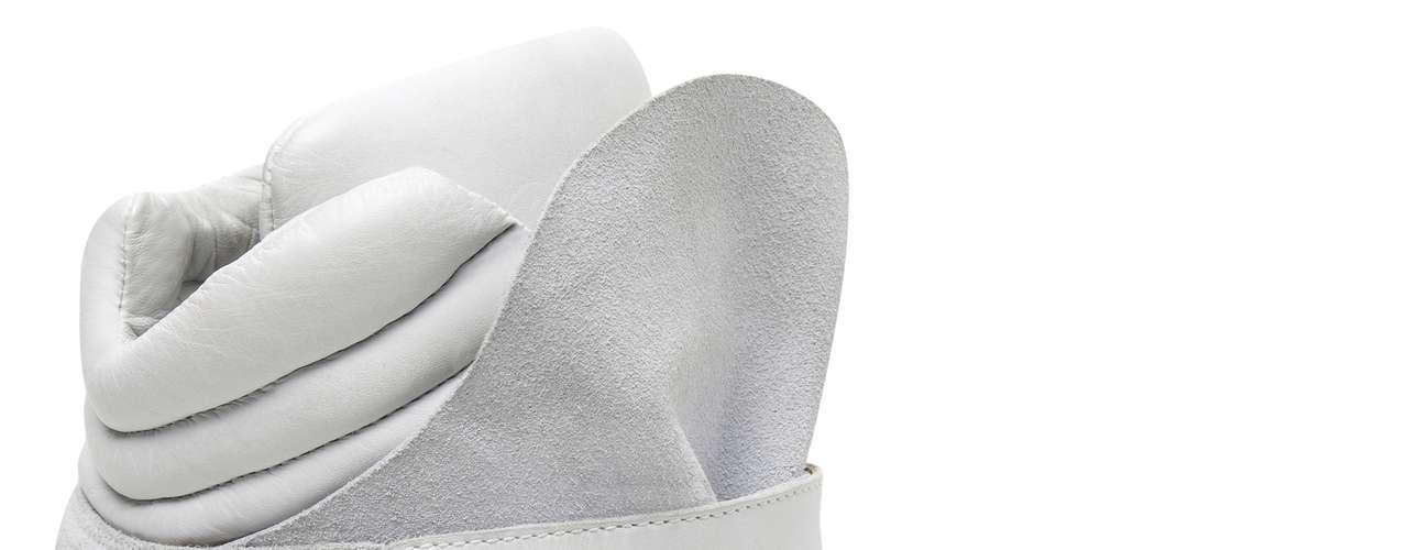 Sneaker Santa Lolla branco sai por R$ 269,90. SAC: (11) 3045-8504