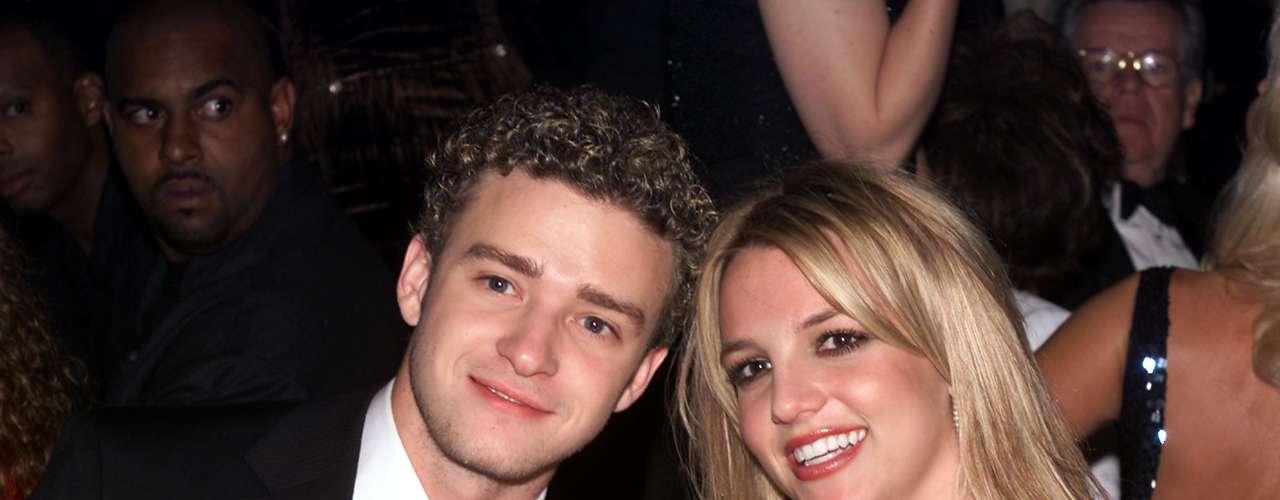 O casal do pop do começo dos anos 2000, Justin Timberlake e Britney Spears, também passou por péssimos momentos. Depois de uma suposta traição de Britney, Justin terminou o namoro