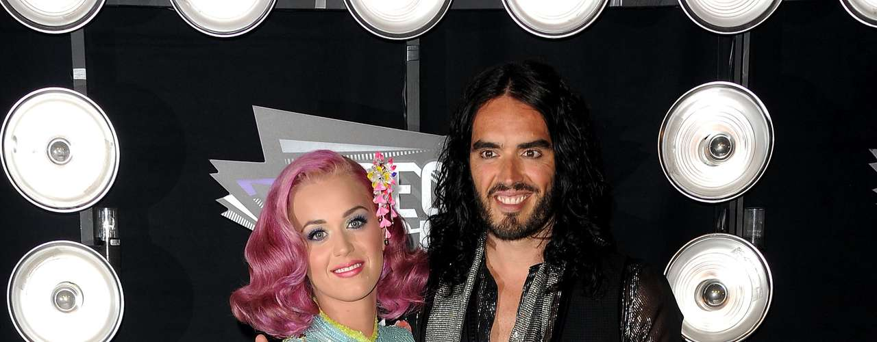 Um dos mais recentes homens a pedir a separação foi Russell Brand. Casado com Katy Perry, o ator se divorciou em 2011